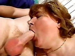 Mature fucks in kitchen n gets cum