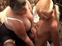 Beautiful mature gets hot anal fuck