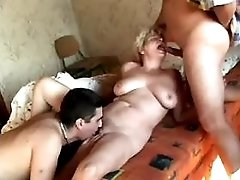 Two matures have hot fuck in orgy