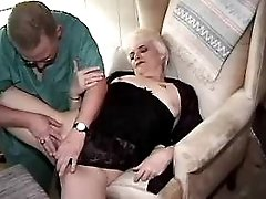 Blonde chubby mature does blowjob
